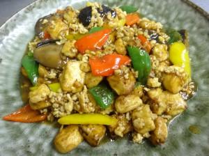 焼豆腐と鶏ミンチの旨煮