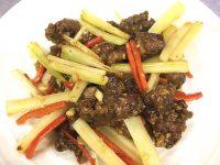 鶏肝とセロリの炒め物