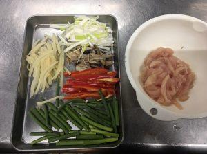 鶏とニンニクの芽炒め