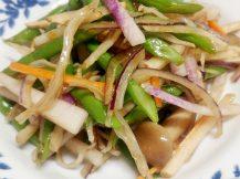 彩り野菜とおじゃこの中華風サラダ
