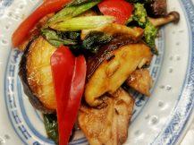 ブリとブロッコリーのネギ生姜炒め
